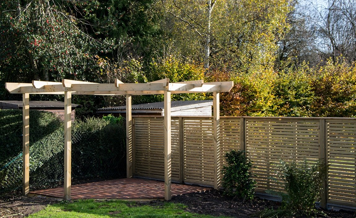 horizontal fence panels, Dorking Surrey